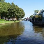 De Hollandse IJssel in IJsselstein, vlak voor het ophaalbruggetje voor fietsers en voetgangers